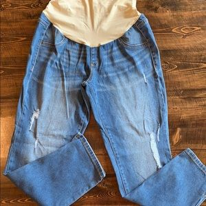 NWOT Maternity crop distressed jeggings. Size 10